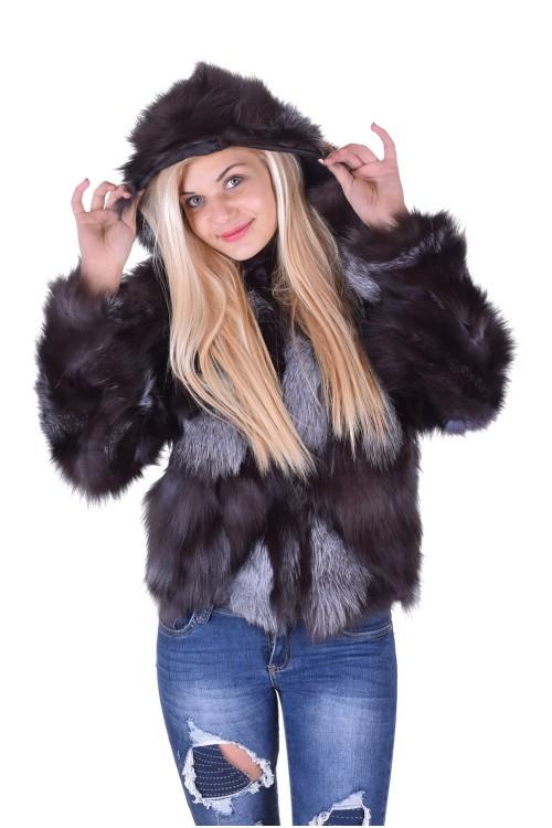 Палто от сребърна лисица с качулка 312.00