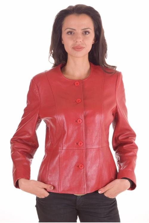 Червено дамско яке 58.00