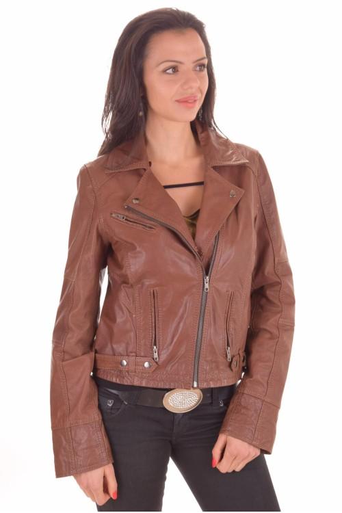 Дамско яке от естествена кожа 56.00