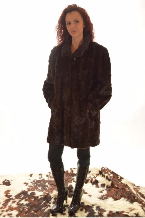 Палто от естествен косъм. 299.00