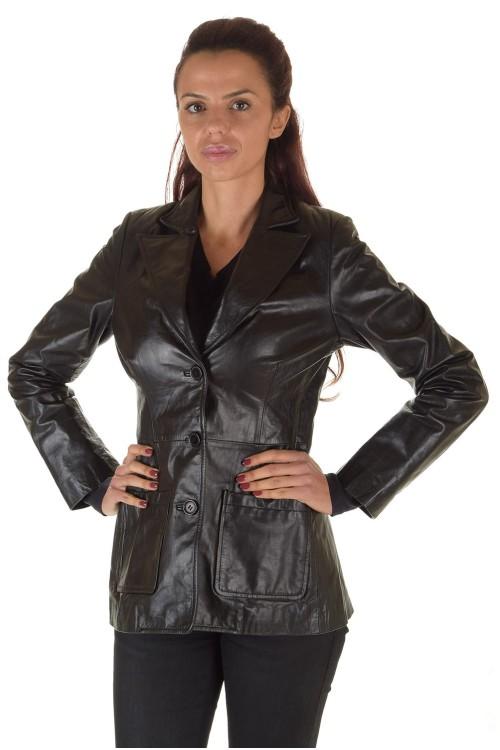 Красиво дамско кожено сако 45.00
