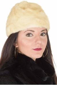 Бяла дамска шапка от норка