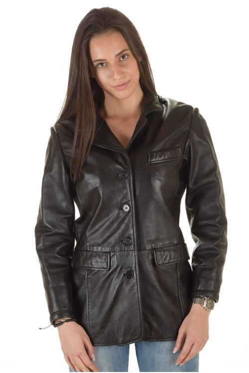 Красиво дамско кожено сако 69.00