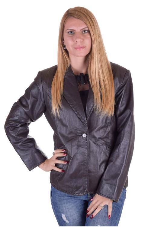 Елегантно дамско кожено сако 64.00