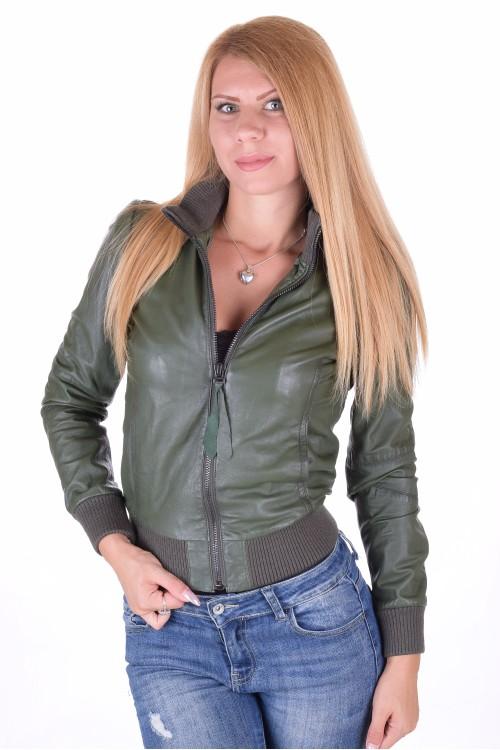 Тъмно зелено дамско кожено яке 64.00