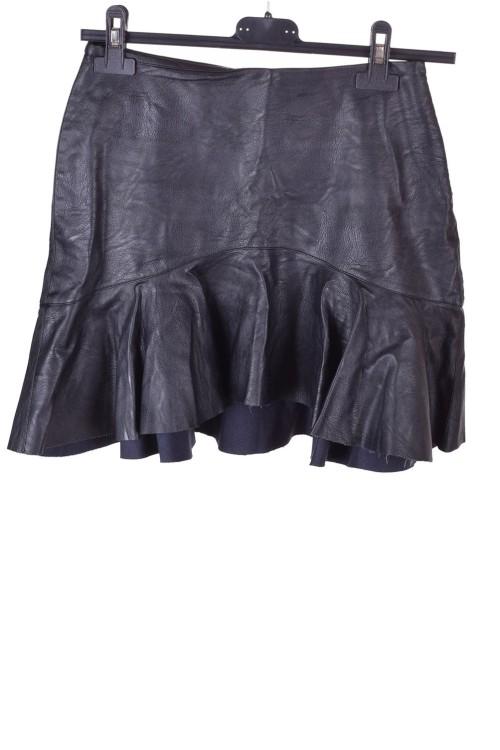 Черна дамска пола от изкуствена кожа 10.00