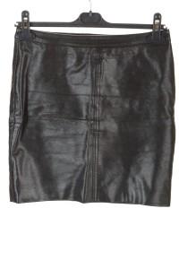 Дамска пола от изкуствена кожа