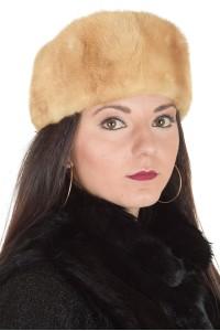 Бежова дамска шапка от естествен косъм