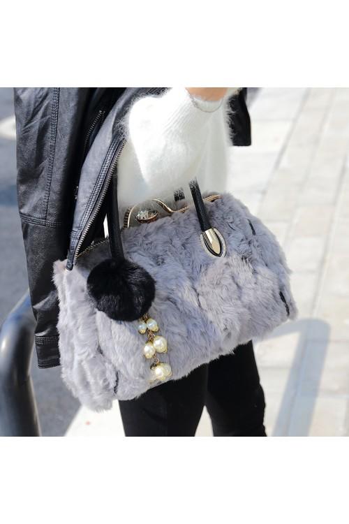 Модна зимна диамантена чанта от заек 155.00