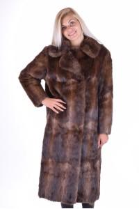 Стилно палто от естествен косъм