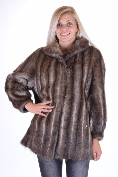 Стройно дамско палто от естествен косъм 115.00