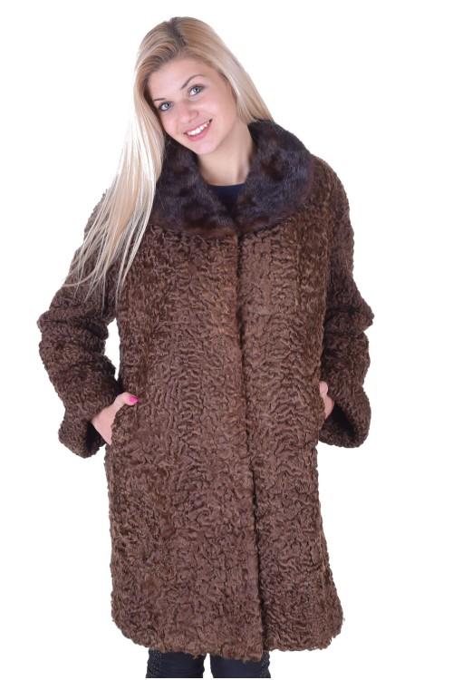 Тъмно кафяво палто от астраган 149.00