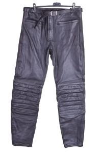 Хубав мъжки моторджийски панталон от дебела и плътна естествена кожа