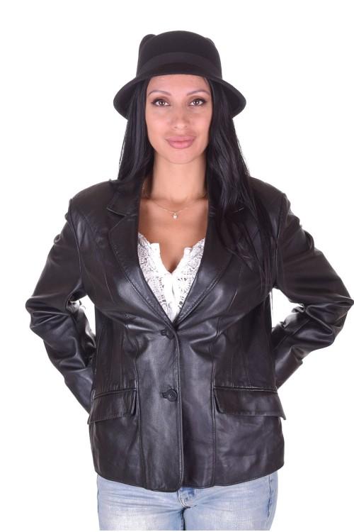 Модерно дамско кожено сако 64.00
