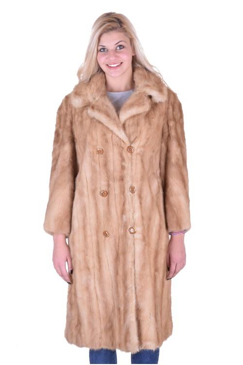 Бежово палто от норка 219.00